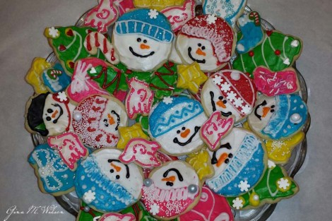Gina Christmas Snow People on Plate_960_640