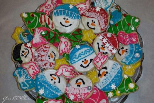 Gina Christmas Snow People on Plate_960_640