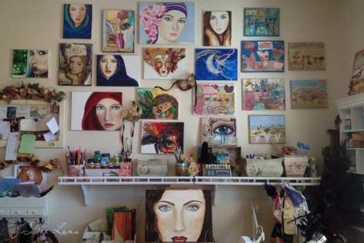 Art Room Wall with Paintings 960_640