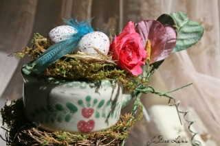 Country_Pitcher_Bed_Coil_Floral_960