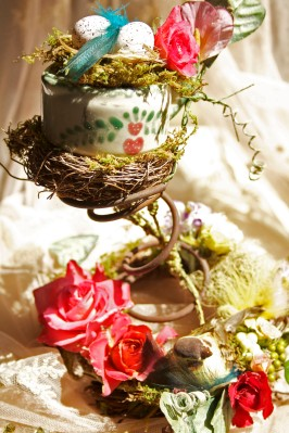 Country_Pitcher_Bed_Coil_Floral_Entire